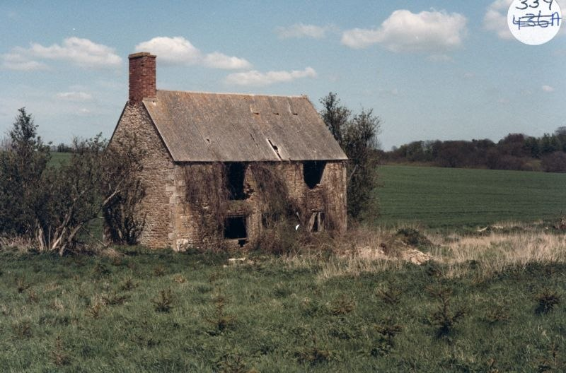 1985 East of Church Lane, OS reference SP452239. This house was called New Farm in 1843.
