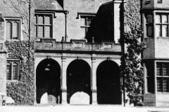 """1920s Above the pillars is a vanished inscription: """"Unless the Lord build the house They labour in vain that build it"""". Inscription probably removed in late 1920s."""