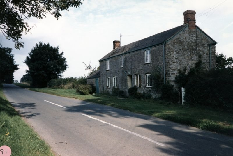 Cottage on Duns Tew road near Turnpike.