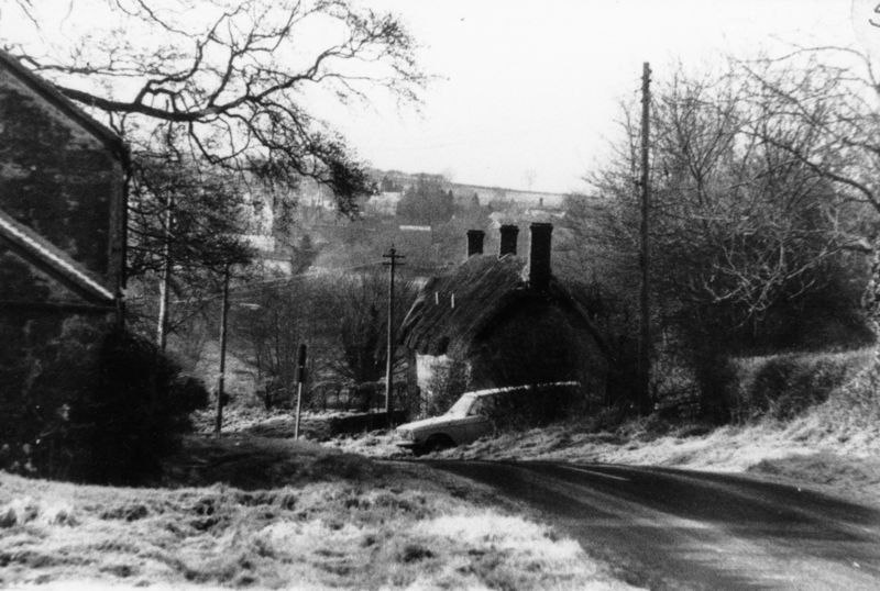Turnpike cottages from Duns Tew road.