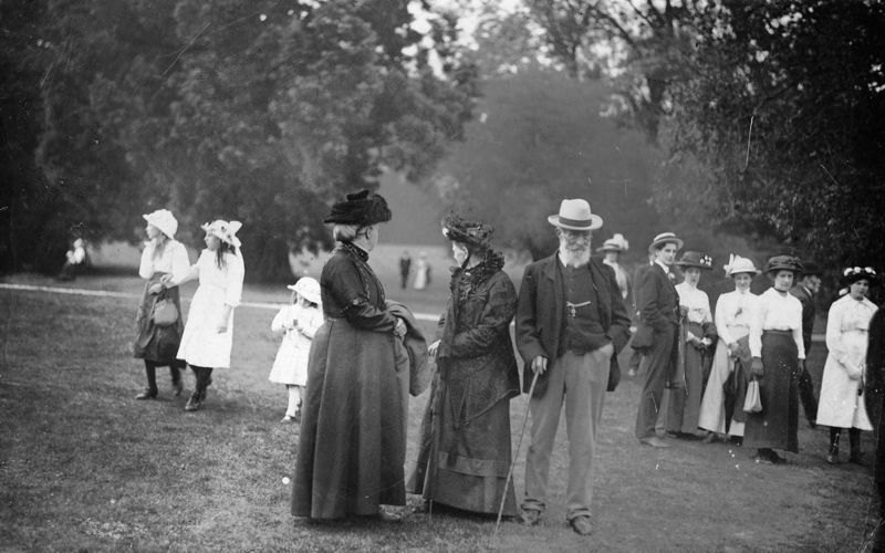 c1910. Middle Barton Flower Show.