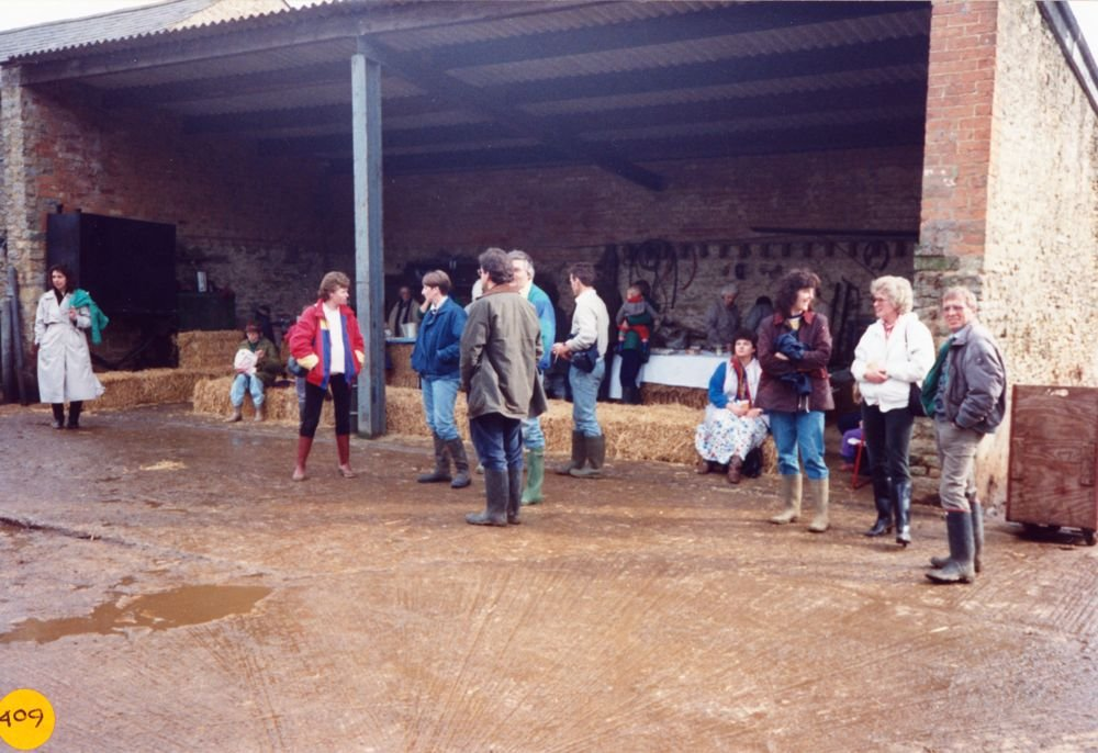April 1989 Open afternoon at Manor Farm, Westcote Barton. ?, ?, Jan Allen, Mr. and Mrs. Pattie, ?,?, Sarah Pinion, Sue Wood, Mr. and Mrs. Norgrove.