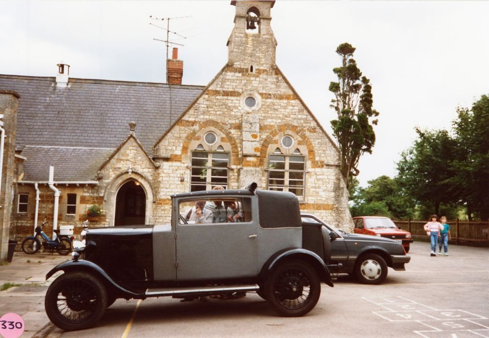 July 9 1988 Middle Barton Primary School Exhibition. Vintage car belonging to Mr. G. Divey, Middle Barton garage.