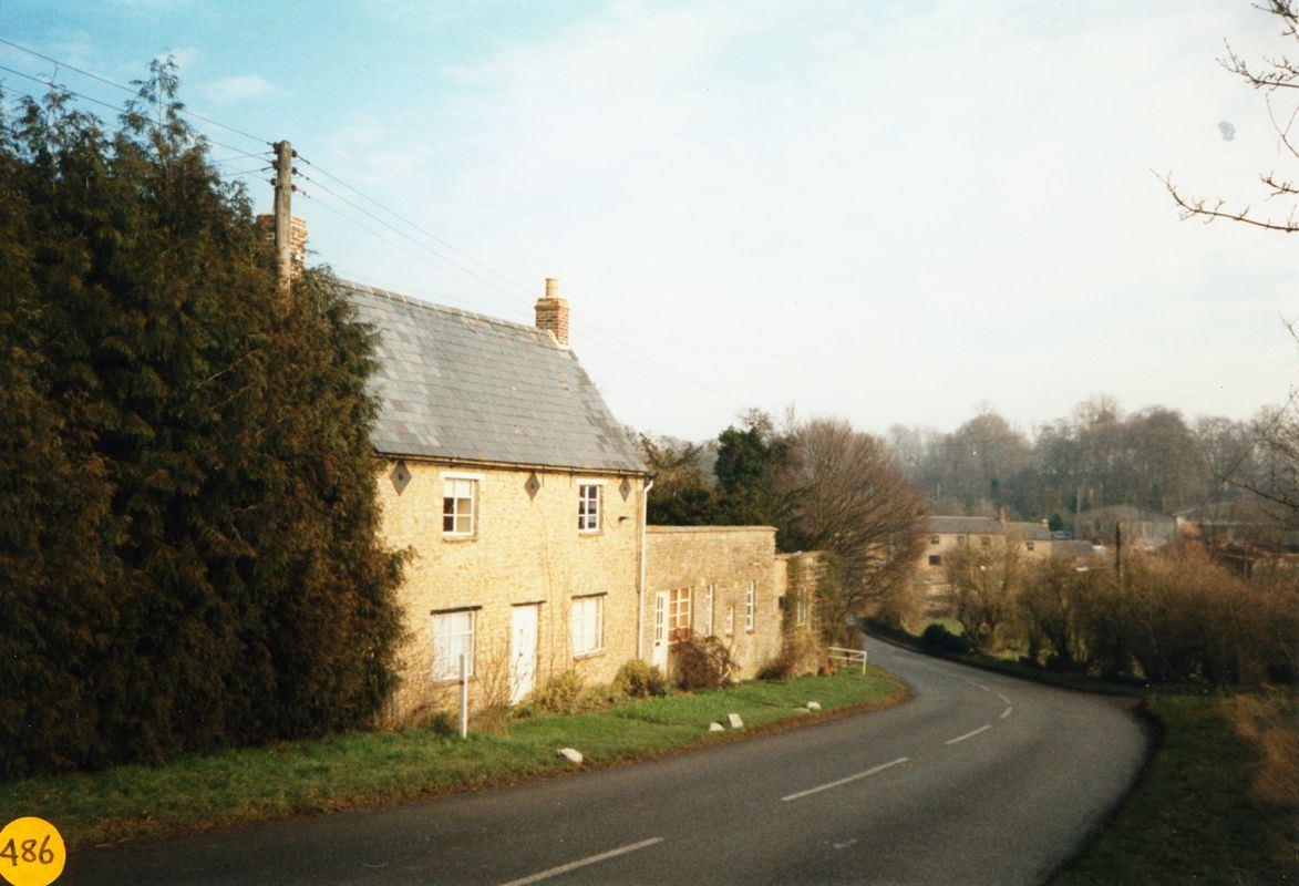 1991 The Sidelings, Enstone Road.